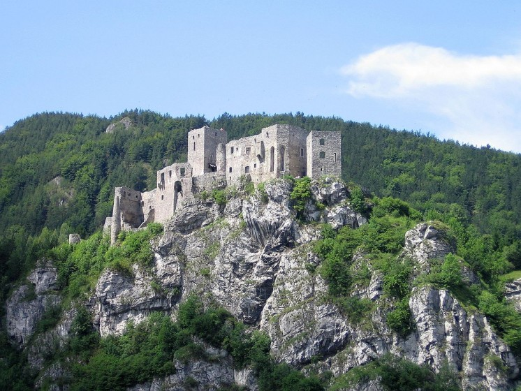 "<a href=""https://commons.wikimedia.org/wiki/Category:Stre%C4%8Dno_Castle#/media/File:Stre%C4%8Dno_hrad.jpg"" target=""_blank"">Zdroj: Wikipedia, Autor: RomanM82</a>"