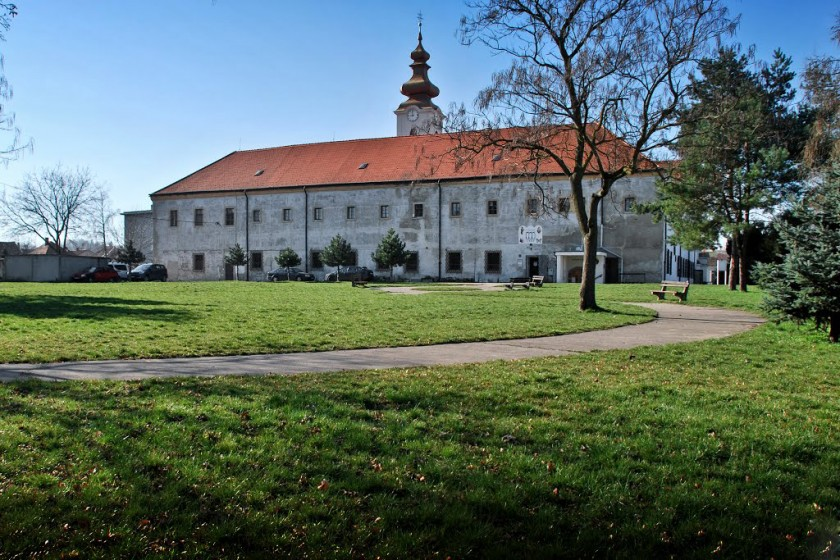 Františkánsky kostol Všetkých svätých akláštor, Hlohovec
