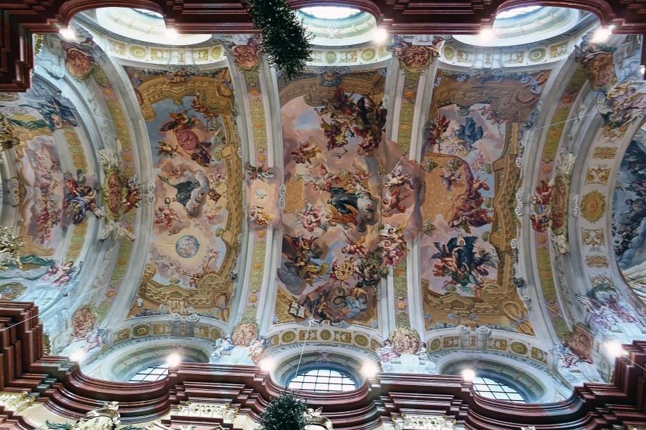malebný strop