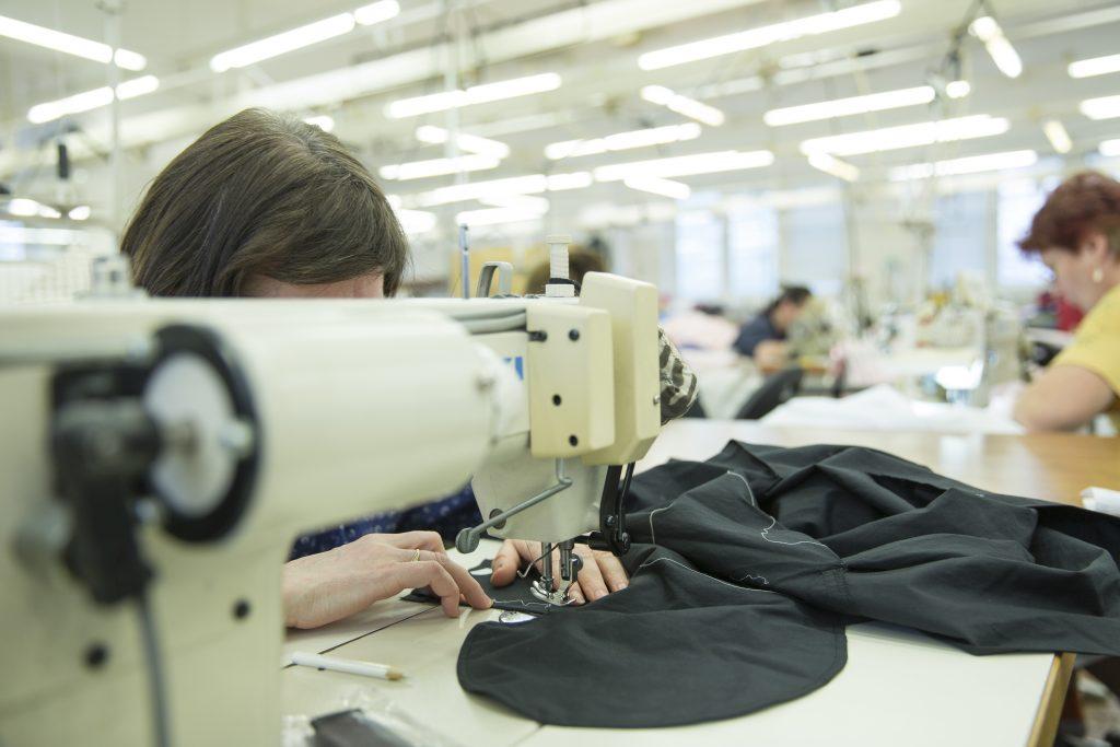 Nehera šitie vo fabrikách