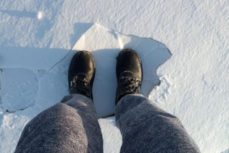 nohy, sneh