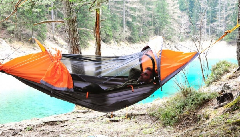 "<a href=""http://www.outdoorhub.com/news/2016/05/12/first-look-ultimate-backcountry-tenthammock/"" target=""_blank"">Zdroj: Flying Tent</a>"