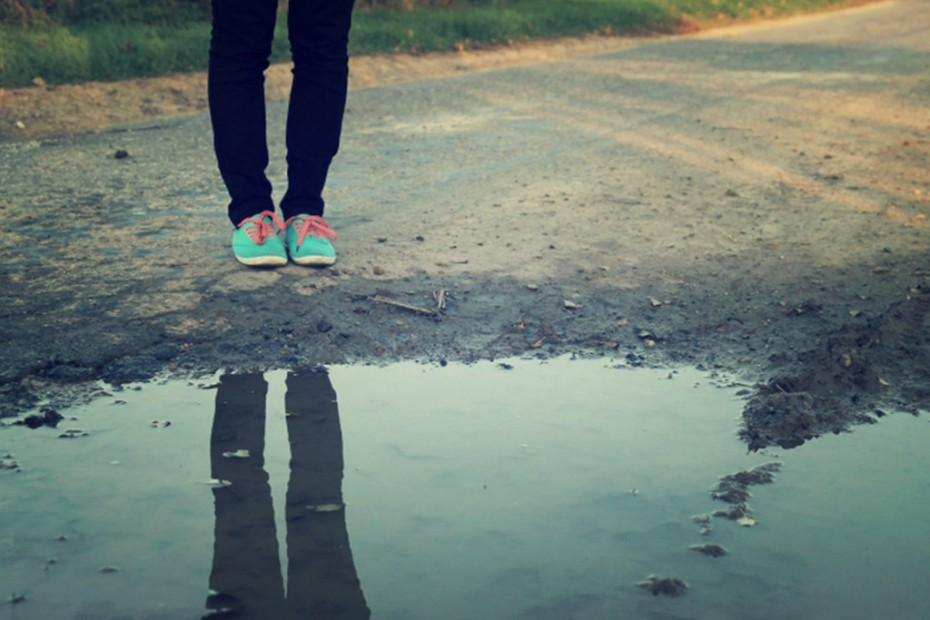 nohy, poľná cesta