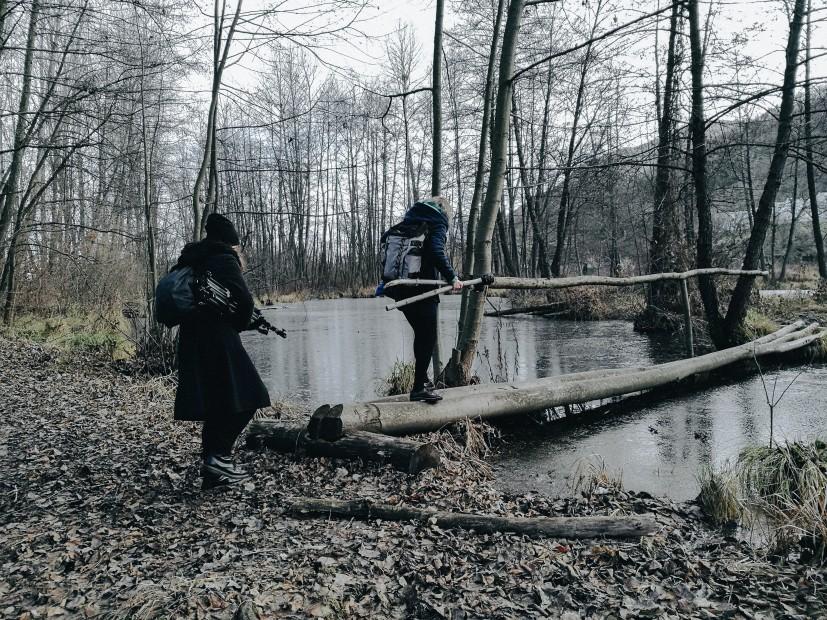 ľudia v lese