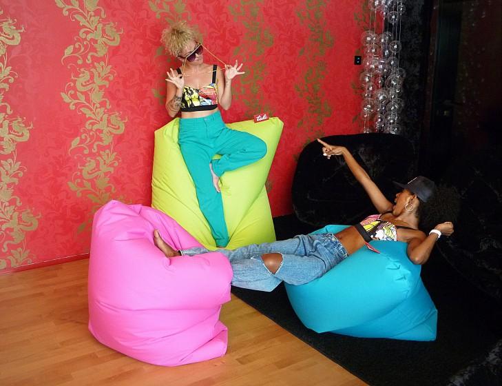 dve ženy na troch Tuli vakoch