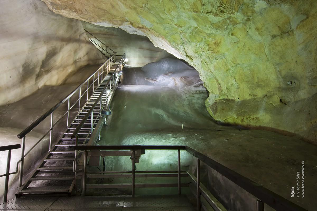 Ruffínyho koridor dostal svoj názov podľa Eugena Ruffínyho, ktorý jaskyňu objavil vroku 1870 spomocou ďalších troch kolegov.