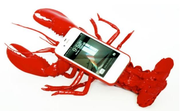 "[lnk url=""http://www.noddyboffin.com/portfolio/lobster-mobile-telephone-case/""]Zdroj: www.noddyboffin.com[/lnk]"