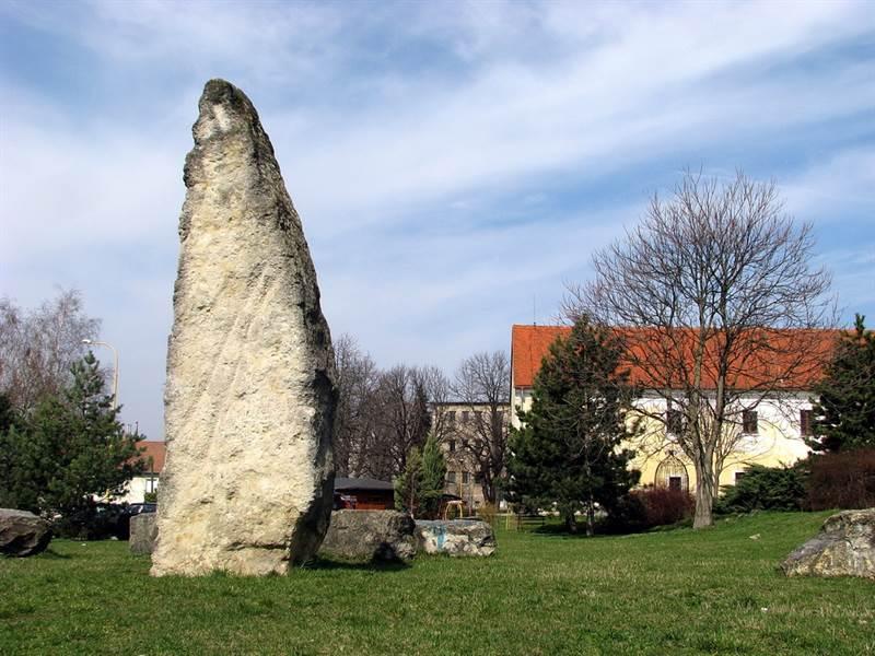 """[lnk url=""""http://www.vypadni.sk/sk/holicske-megality""""]Zdroj: Vypadni.sk, Autor: PhDr. Rudolf Irša[/lnk]"""
