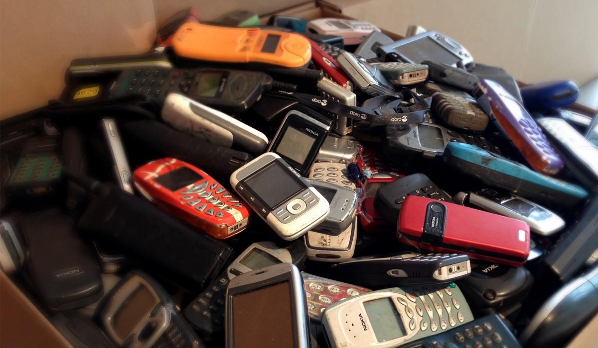 """Od """"tehly"""" až po obrovské displeje  Takúto cestu prešli smartfóny za takmer  25 rokov c91a02f094a"""