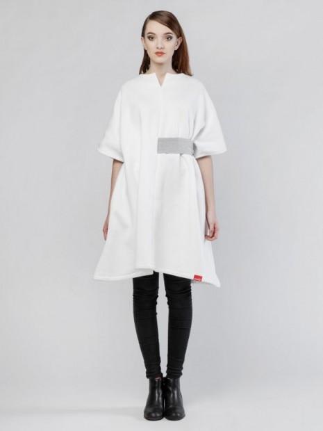 Biele šaty od Puojd