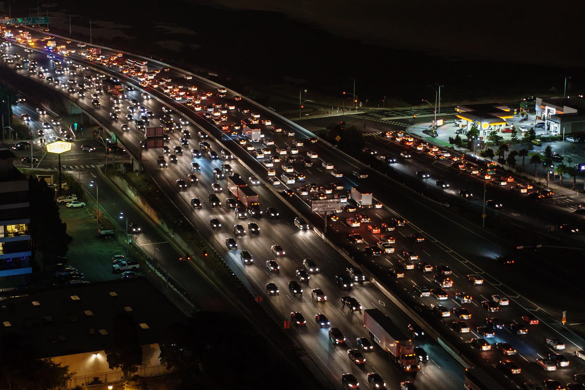 most, dopravna zapcha, auto
