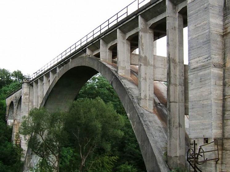 """<a href=""""http://www.vypadni.sk/sk/koprassky-mnisansky-viadukt"""" target=""""_blank"""">Zdroj: Vypadni.sk, Autor: Janka Juššíková</a>"""